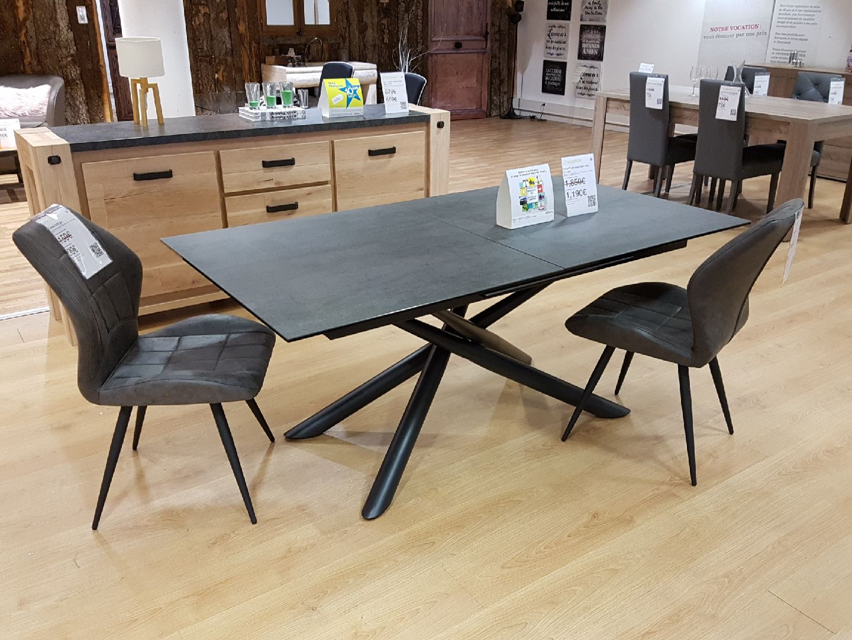 force c ramique avec allonge d fense d 39 entrer mobilier. Black Bedroom Furniture Sets. Home Design Ideas